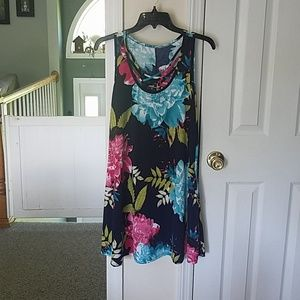 Beautiful dress with pockets never worn